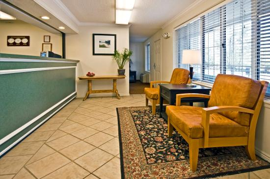 Extended Stay America - Fort Lauderdale - Tamarac: Lobby and Guest Check-in