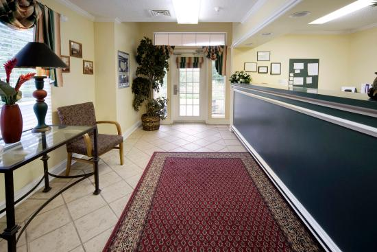 Extended Stay America - Fort Lauderdale - Davie: Lobby and Guest Check-in