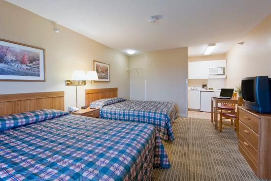 Crossland Economy Studios - Phoenix - West: Studio Suite - 2 Double Beds