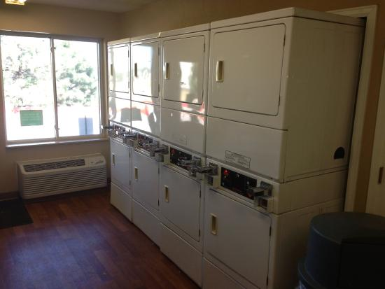 Crossland Denver - Airport - Aurora: On-Premise Guest Laundry