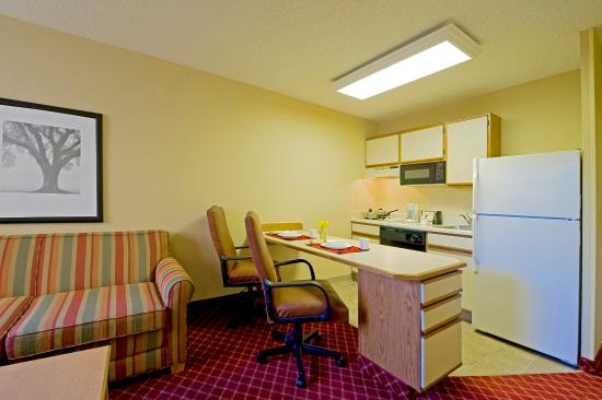 Extended Stay America - Fishkill - Route 9: Fully-Equipped Kitchens