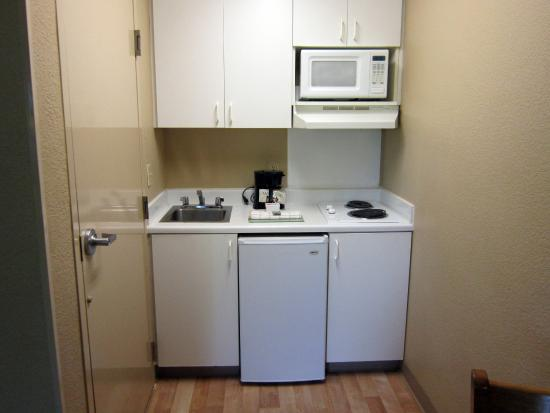 Crossland Economy Studios - Sacramento - Point East Dr. : Fully-Equipped Kitchens