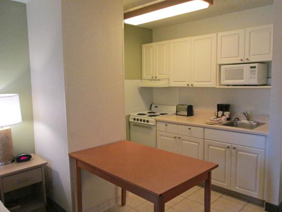 Extended Stay America - Dallas - Bedford: Fully-Equipped Kitchens