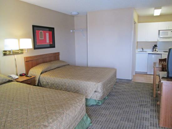 Crossland Economy Studios - Fort Worth - Fossil Creek: Studio Suite - 2 Double Beds