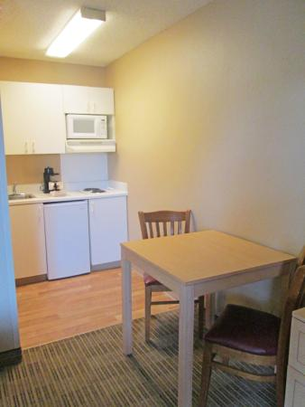 Crossland Economy Studios - Fort Worth - Fossil Creek: Fully-Equipped Kitchens