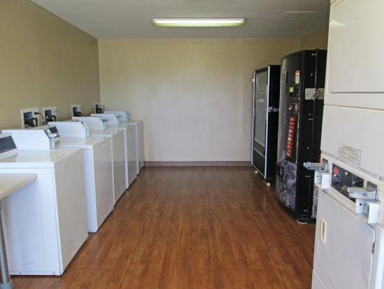 Crossland Economy Studios - Fort Worth - Fossil Creek: On-Premise Guest Laundry