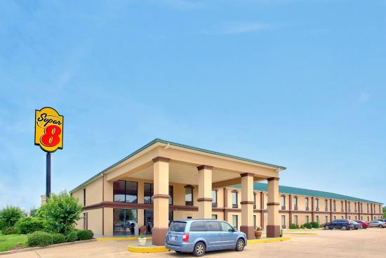 Photo of Brentwood Inn & Suites Canton