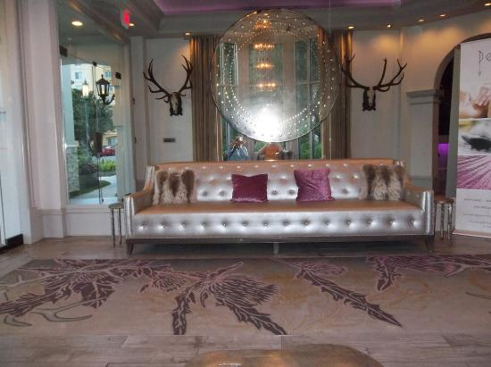 entry way before the looby picture of castle hotel. Black Bedroom Furniture Sets. Home Design Ideas