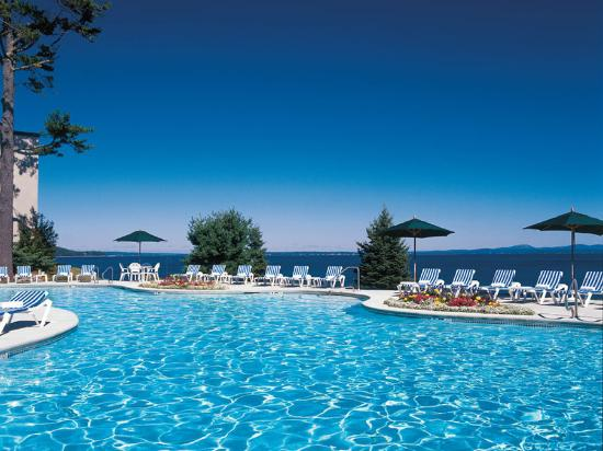 Holiday Inn Bar Harbor Regency: Swimming Pool