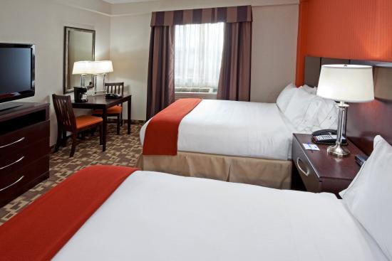 Holiday Inn Express Maspeth, Queen New York