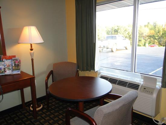 Kuttawa, KY: Room 116
