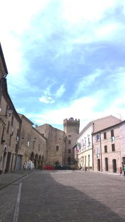 L'Oasi di Pierino: Moresco, borgo antico medioevale