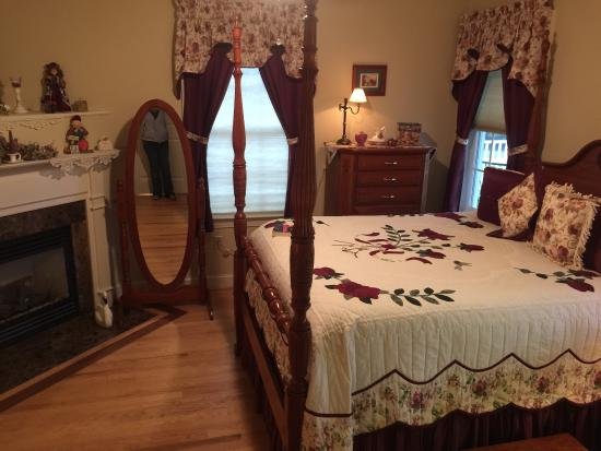 The Country Inn at High View, LLC: photo0.jpg