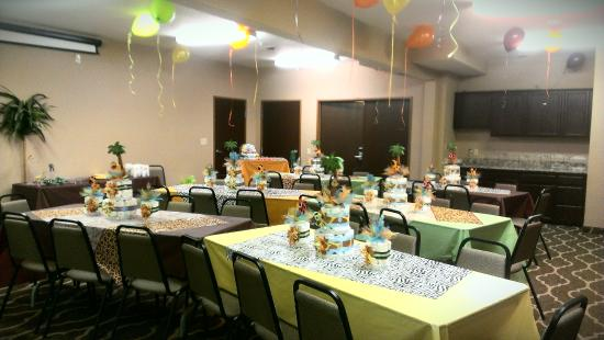 Comfort Suites: Baby shower in the conference room