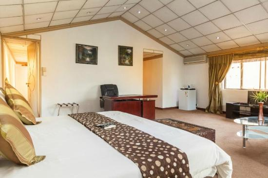 bedroom 38 on the drive bnb picture of 38 on the drive benoni rh tripadvisor ie