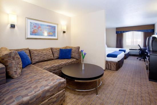 Holiday Inn Express - Balloon Fiesta Park: Sleeper Sofa