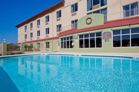 Holiday Inn Express Live Oak
