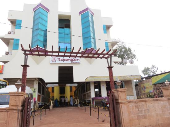 Hotel Rajsangam International