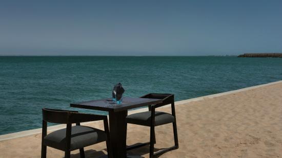 La Maison Du The Restaurant Dakhla: Dejeuner sur l'eau...