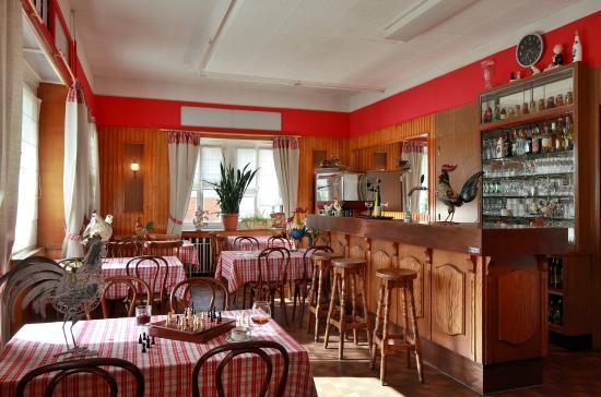 Celles-sur-Plaine, Fransa: brasserie et convivialité