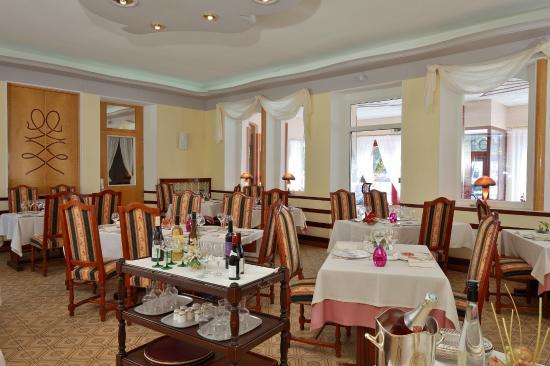 Celles-sur-Plaine, Fransa: restaurant