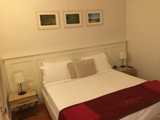 Saturnia Tuscany Hotel: photo1.jpg
