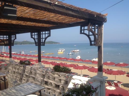 Beach area picture of golf hotel punta ala punta ala for Hotel castiglione della pescaia