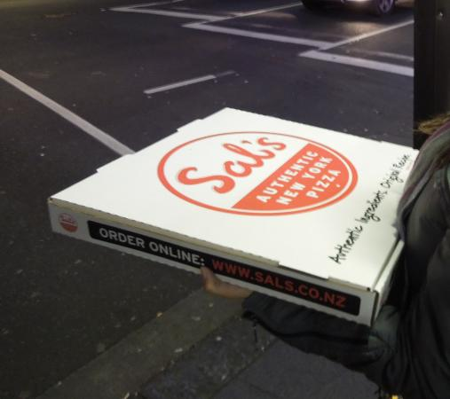 Sal's Authentic New York Pizza : Pizza