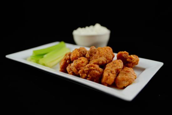 The West Side Sports Bar & Grill: Boneless Wings