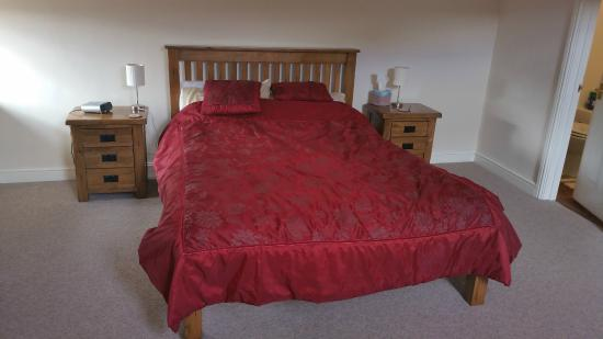 Craswall, UK: Double bed in upper room