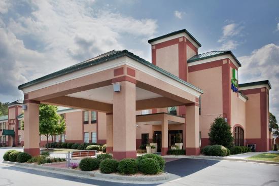 เซาท์บอสตัน, เวอร์จิเนีย: Hotel Exterior  Holiday Inn Express South Boston