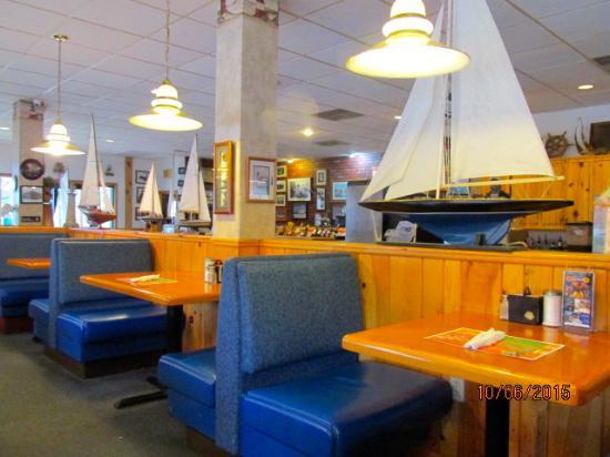 Navigator Restaurant: Dining area