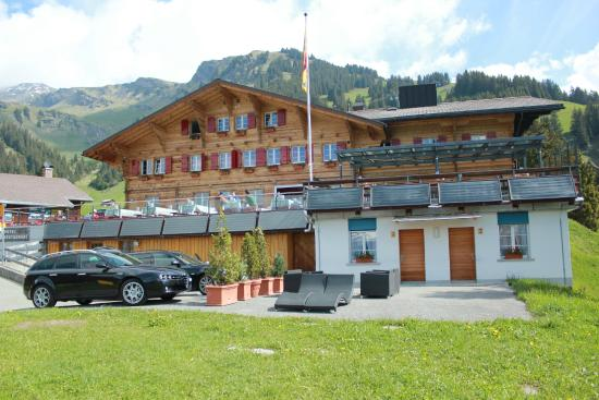 Berghaus Bort: The facade