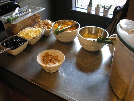 Hotel Hotel complimentary breakfast