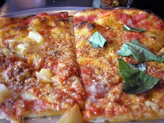 Hotel Pizza At Hotelhotel Pizzabar
