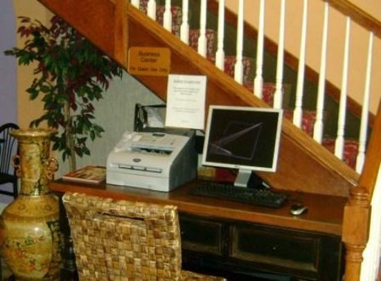Summit Inn Hotel and Suites: BUSINESSCENTER