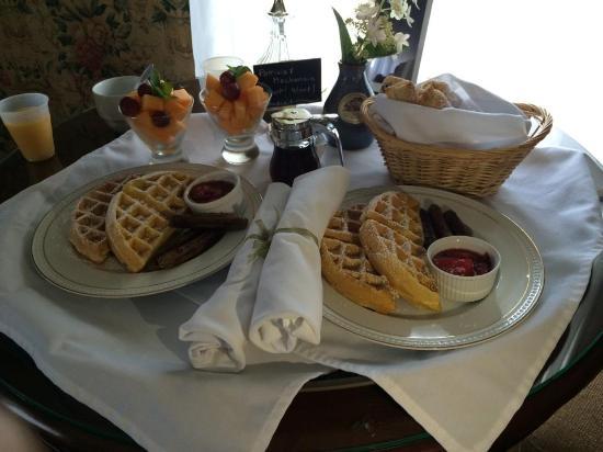 Cambridge, WI: Breakfast! So delish!!!