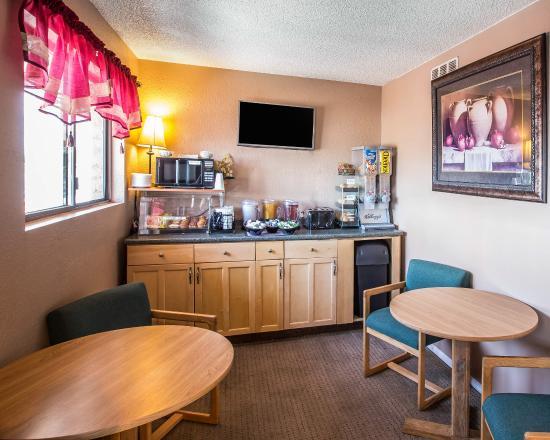 Rodeway Inn Delta: COBKFAST