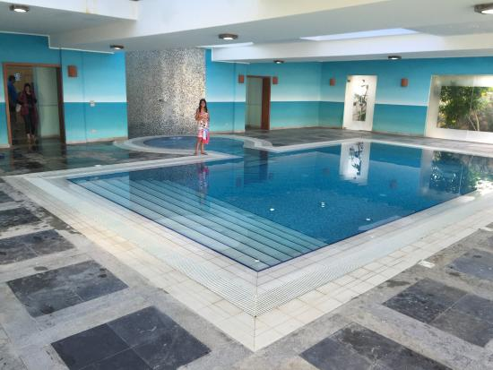 Caesar Bay Resort: Crystal clear water Nice spa Great view