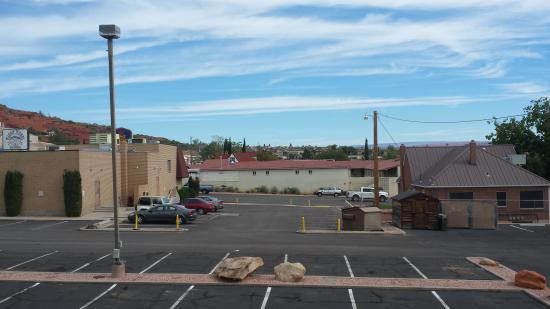 Super 8 by Wyndham St. George UT: room with a view