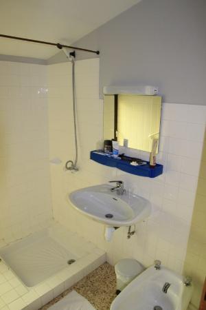 Salle d eau foto van les stalagmites orgnac l 39 aven tripadvisor - Fotos van salle d eau ...
