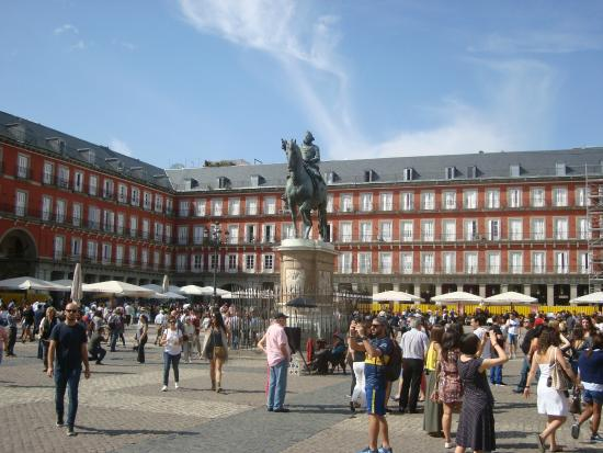 Plaza mayor picture of puerta del sol madrid tripadvisor for Plaza puerta del sol