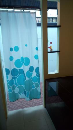Supsangdao Resort: Shower area