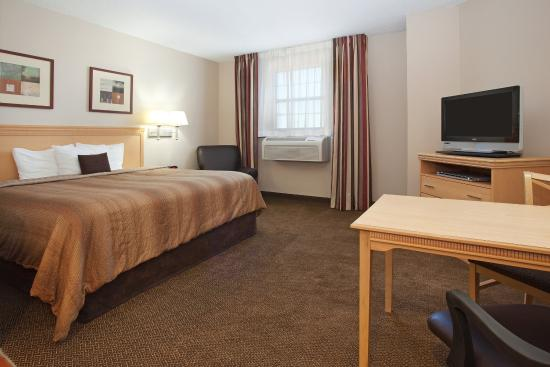 Candlewood Suites Meridian Business Center: King Bed Studio Suite