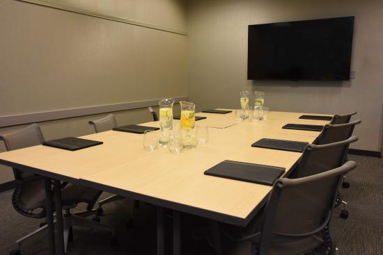 Oak Ridge Hotel and Conference Center: Boardroom