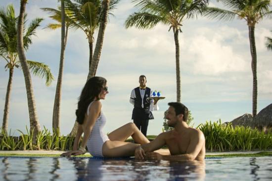 Iberostar Grand Hotel Bavaro: Pool service