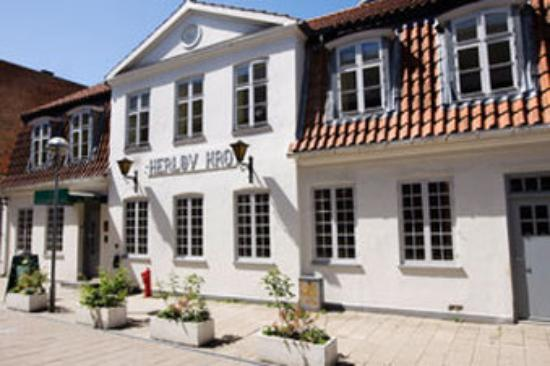 Herlev Kro Hotel: Herloev Facade Day