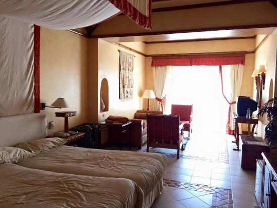 the grand resort hotel room bild von the grand resort. Black Bedroom Furniture Sets. Home Design Ideas