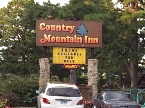 Country Mountain Inn: this faces Hwy
