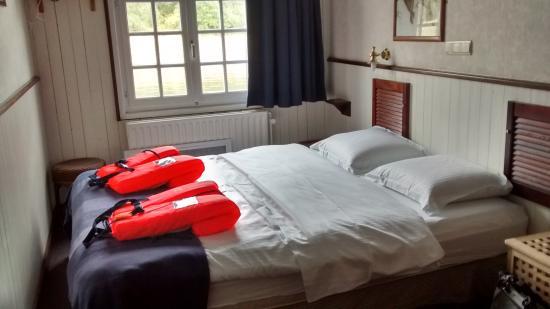 De Barge Hotel: Lifejackets if needed!!